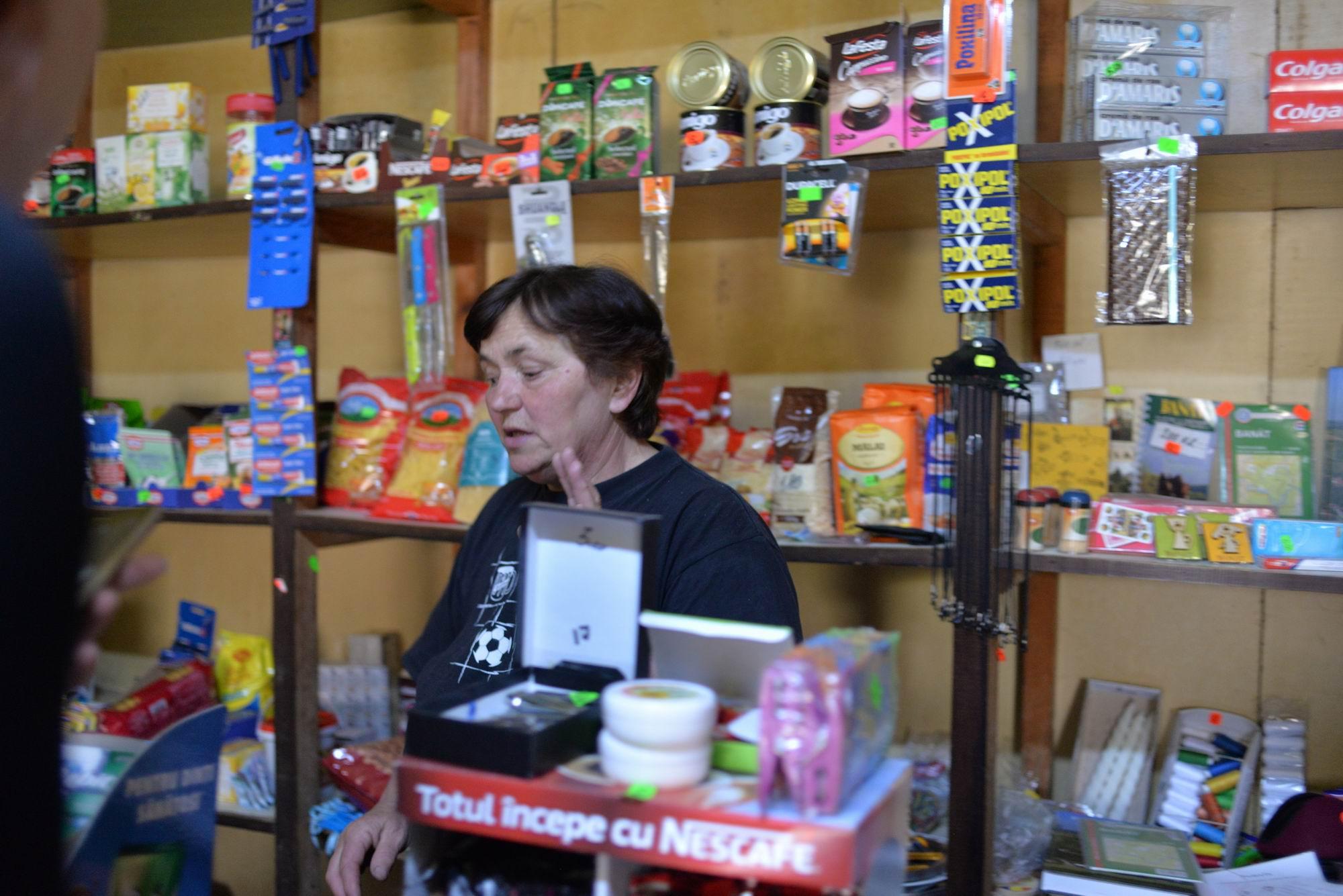 Carolina aduce marfă pentru magazinul său de la Reșița sau chiar din Cehia
