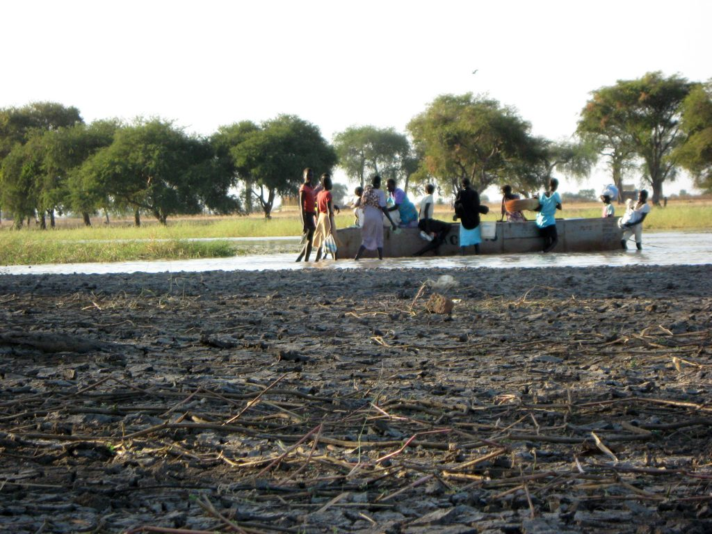 Localnici din Agok, Sudanul de Sud. Foto: Cristina Rusu