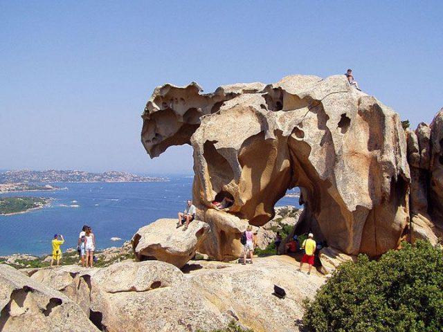 La roccia dell'Orso a Palau monumenti naturali della Sardegna