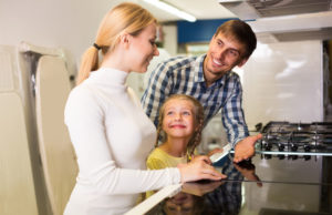 famiglia in cucina offerte gas iren