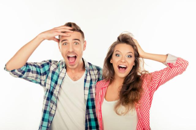 coppia disperata per aumento bolletta luce