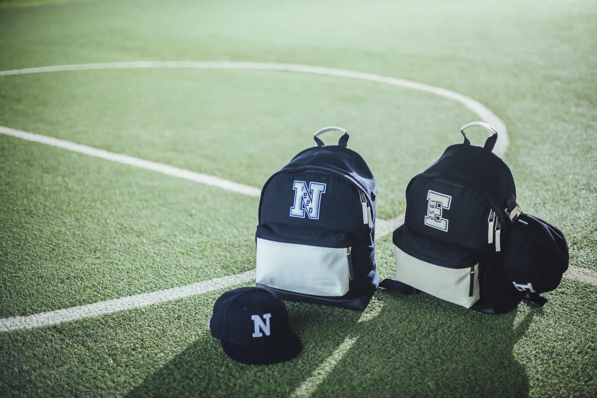 New Era e Eastpak