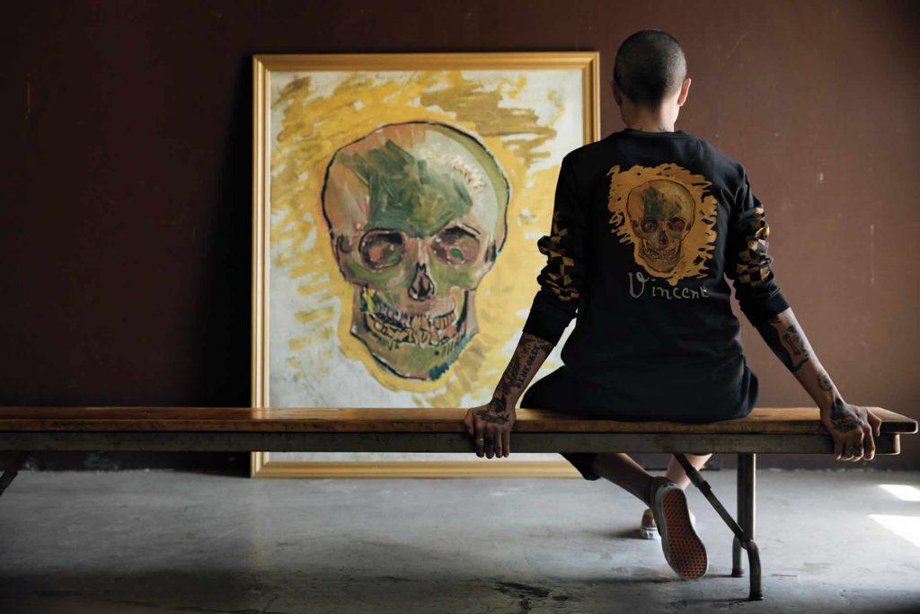 1da3ddc00359a1 ... x Van Gogh Museum sarà disponibile su Vans.eu/vangoghmuseum, in punti  vendita e multimarca Vans selezionati, oltre che su vangoghmuseumshop.com e  nel ...