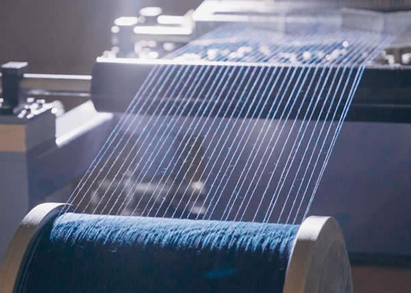 Wrangler è il primo brand ad adottare il metodo Dry Indigo Denim che azzera l'impatto ambientale