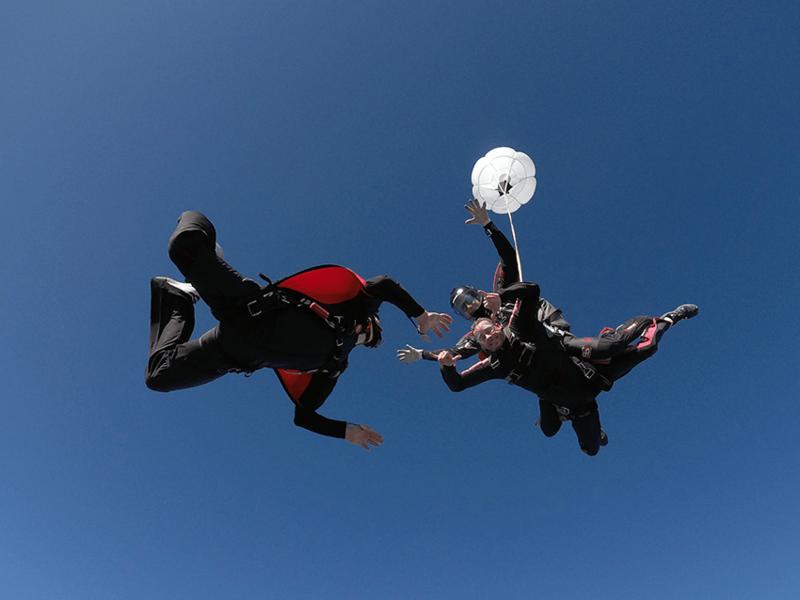 Tandemski skok s padalom s snemalcem