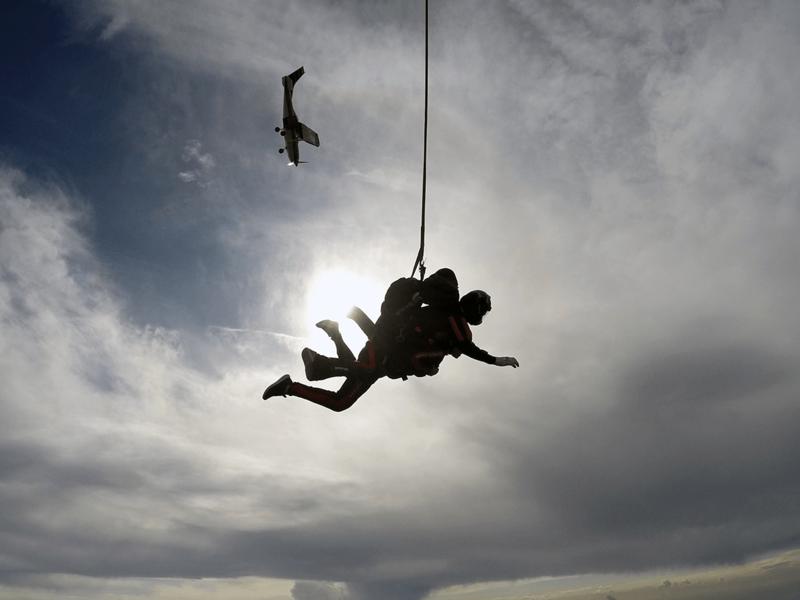 Tandemski skok s padalom - premagovanje strahu pred višino