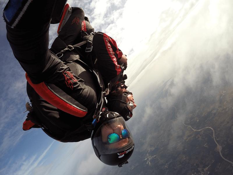 Skok s padalom - najintenzivnejši občutek, takoj po odskoku z letala