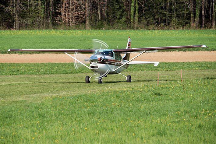Cessna 206 PT6 - letalo za izvajanje padalske dejavnosti - skokov s padalom