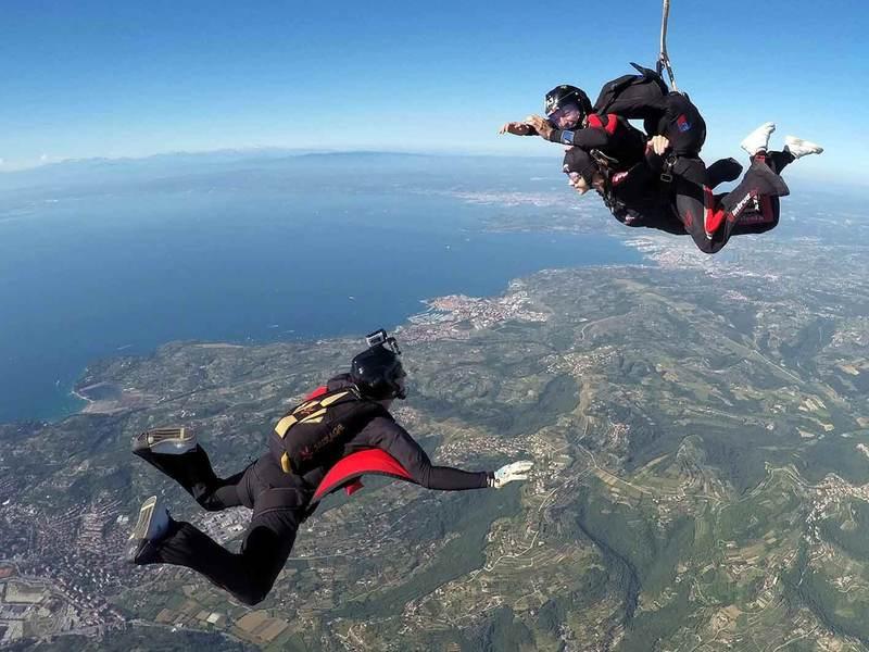 Tandemski skok s padalom nad Portorožem