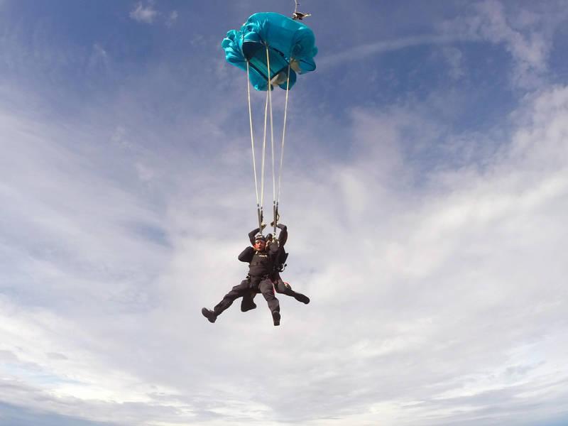 Tandemski skok - odpiranje padala