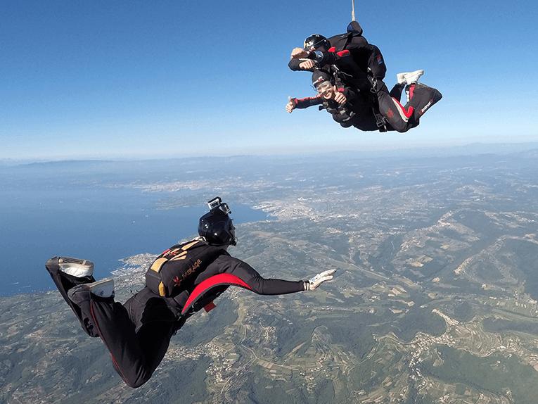 Snemanje skoka s padalom