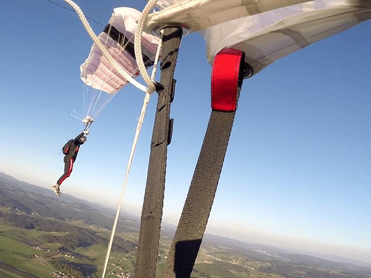 Upravljanje padala ali canopy piloting