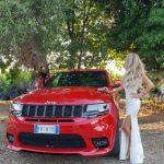 Raffaella Corsi su Jeep SRT