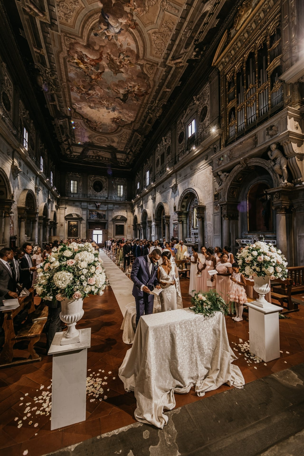 https://s3-eu-central-1.amazonaws.com/righiphotography-com/wp-content/uploads/2020/02/02183129/Wedding-Photo-No-Pose-Studio-Fotografico-Righi-RIGHI-108.jpg