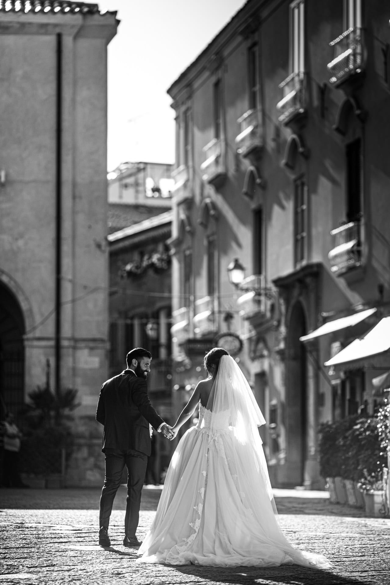 https://s3-eu-central-1.amazonaws.com/righiphotography-com/wp-content/uploads/2020/02/02183131/Wedding-Photo-No-Pose-Studio-Fotografico-Righi-RIGHI-104.jpg