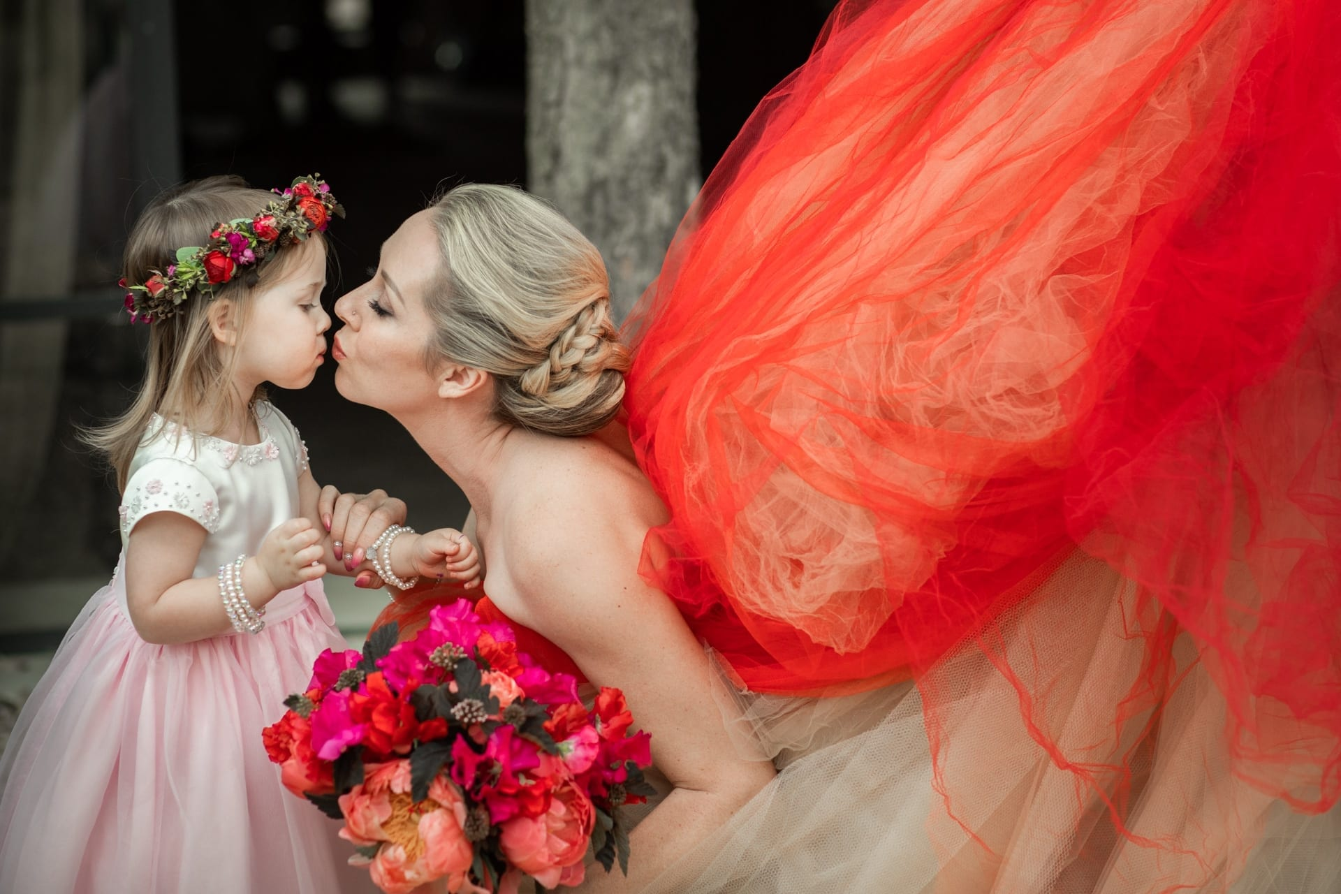 https://s3-eu-central-1.amazonaws.com/righiphotography-com/wp-content/uploads/2020/02/02183148/Wedding-Photo-No-Pose-Studio-Fotografico-Righi-RIGHI-63.jpg