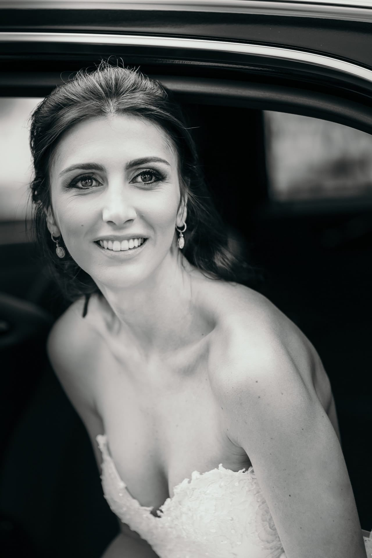 https://s3-eu-central-1.amazonaws.com/righiphotography-com/wp-content/uploads/2020/02/02183205/Wedding-Photo-No-Pose-Studio-Fotografico-Righi-RIGHI-20.jpg