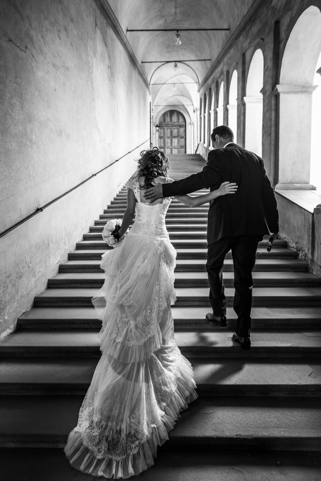 https://s3-eu-central-1.amazonaws.com/righiphotography-com/wp-content/uploads/2020/02/02183207/Wedding-Photo-No-Pose-Studio-Fotografico-Righi-RIGHI-14.jpg