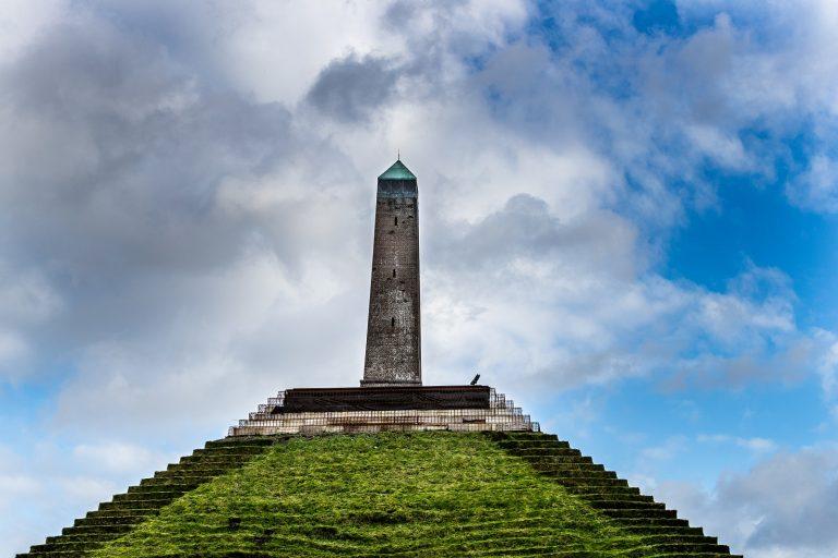 Nieuwe route: over statige lanen rond de Pyramide van Austerlitz