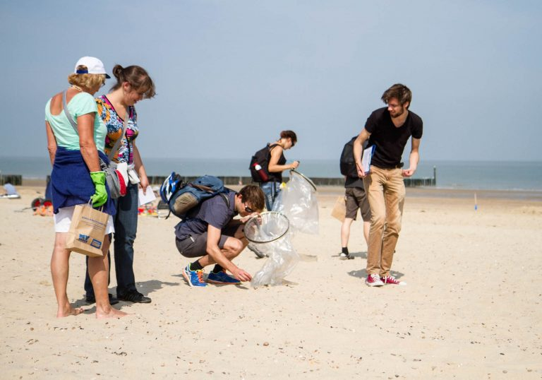 De Beach Cleanup Tour gaat weer van start