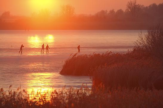 Schaatsen op een verboden moeras