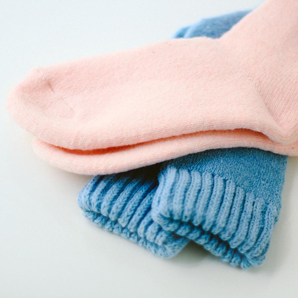 جوارب شتويه للبنات اجمل الجوارب للبنات جوارب جديده جوارب صوف جوارب رائ