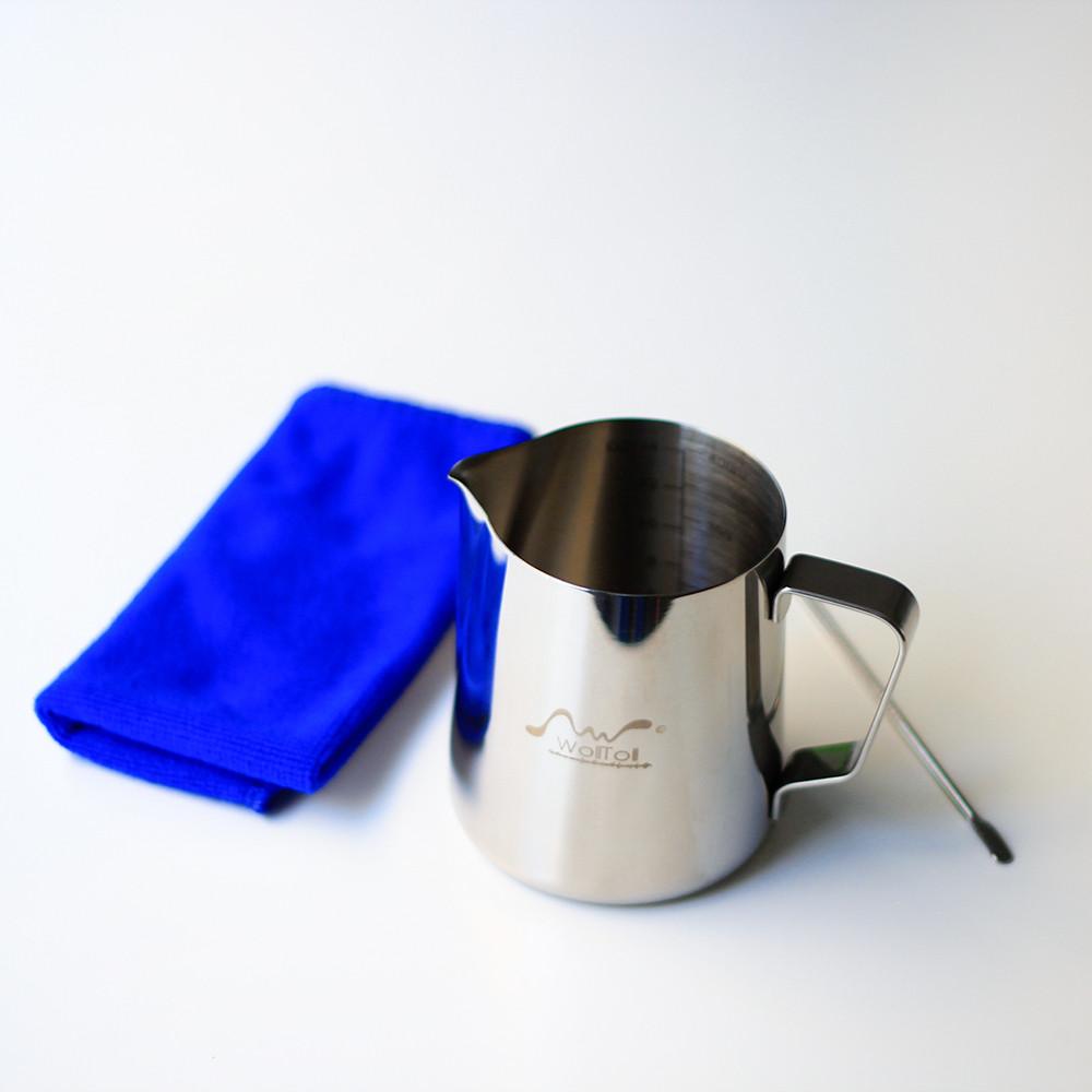 إناء تبخير ابريق الحليب مكينة الاسبريسو عمل رغوة الحليب رسم كوب قهوة