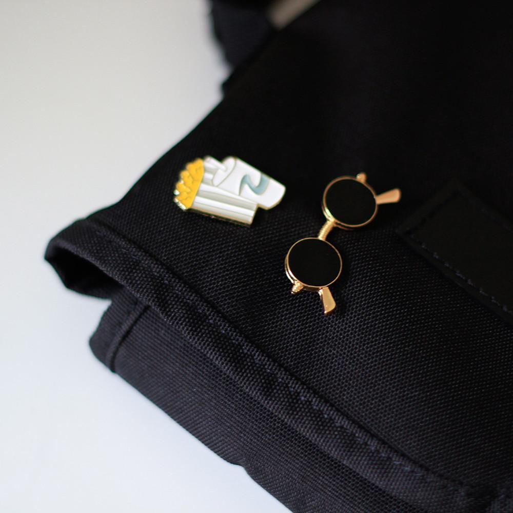 بروش بروشات دبابيس نسائية دبوس اكسسوارت حقائب حقيبة مدرسية المدرسة