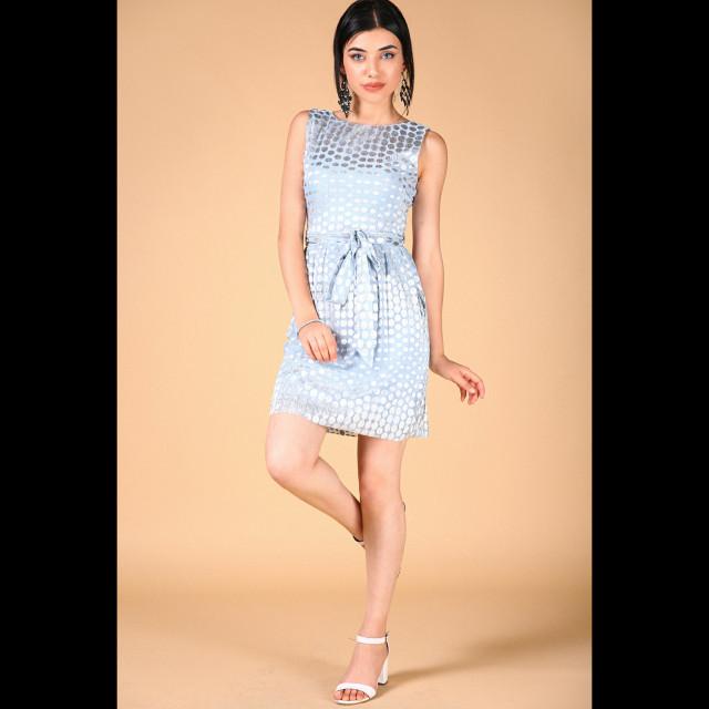 13532e47e فستان قصير ازرق فاتح برباط على الخصر وسحاب بالخلف EK00011