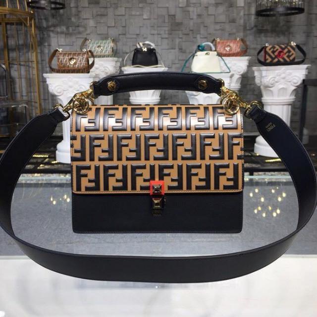e672b9d44 فندي حقيبة الظهر من الجلد منقوشة من كيندي ، 25 سم - فاشون لووك vip