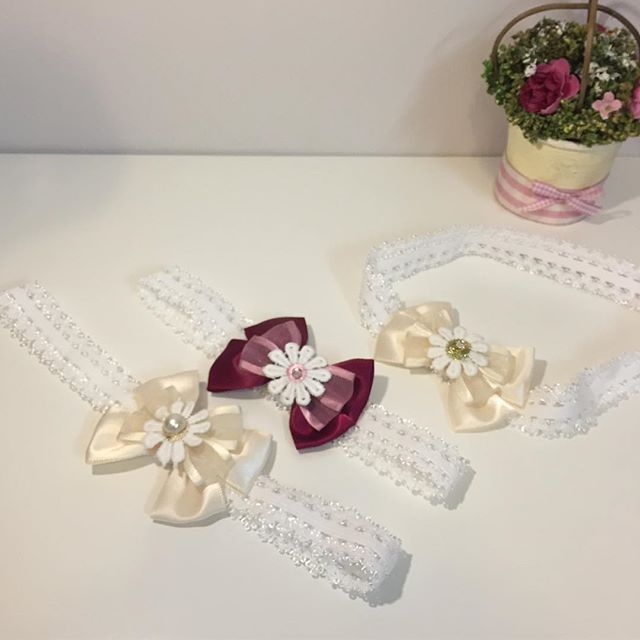 40a712b12480f ربطة قماش بـ فيونكة سكري ووردة - فنون لإكسسوارات الشعر Funoon