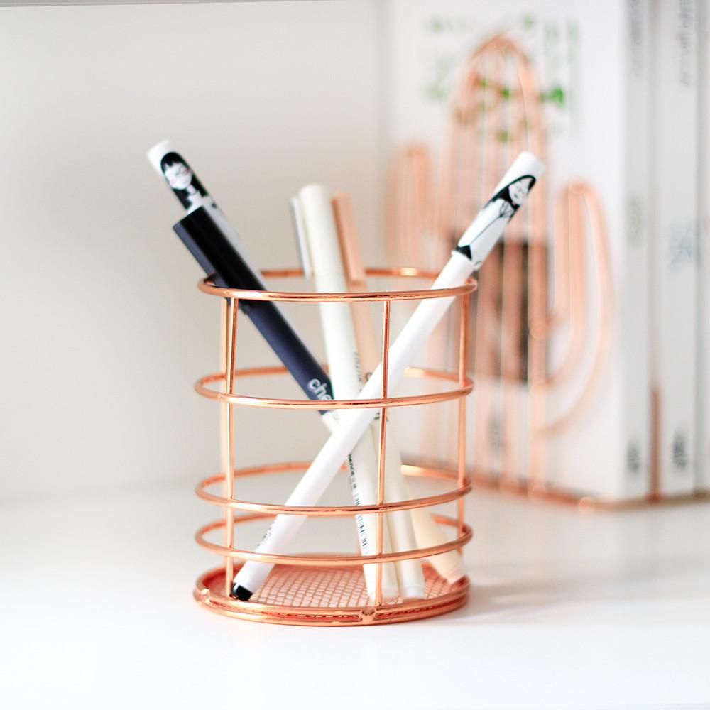 حامل أقلام بافضل سعر في السعودية ديكور المكتب تزيين المكتب الطاولة