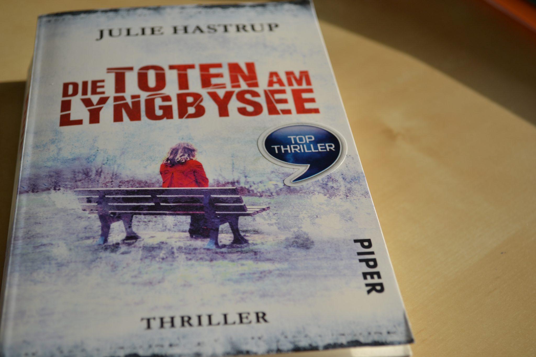 Books: Die Toten am Lyngbysee | Julie Hastrup - dsc 0560