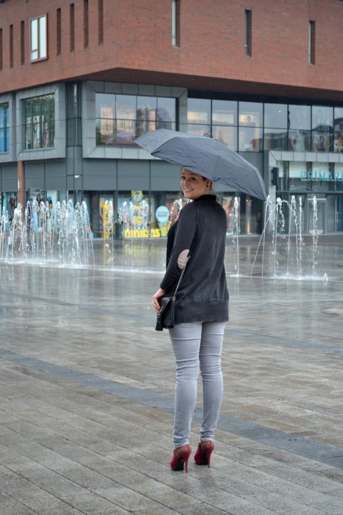 Outfit: Immer wenn es regnet - DSC 0411 683x1024