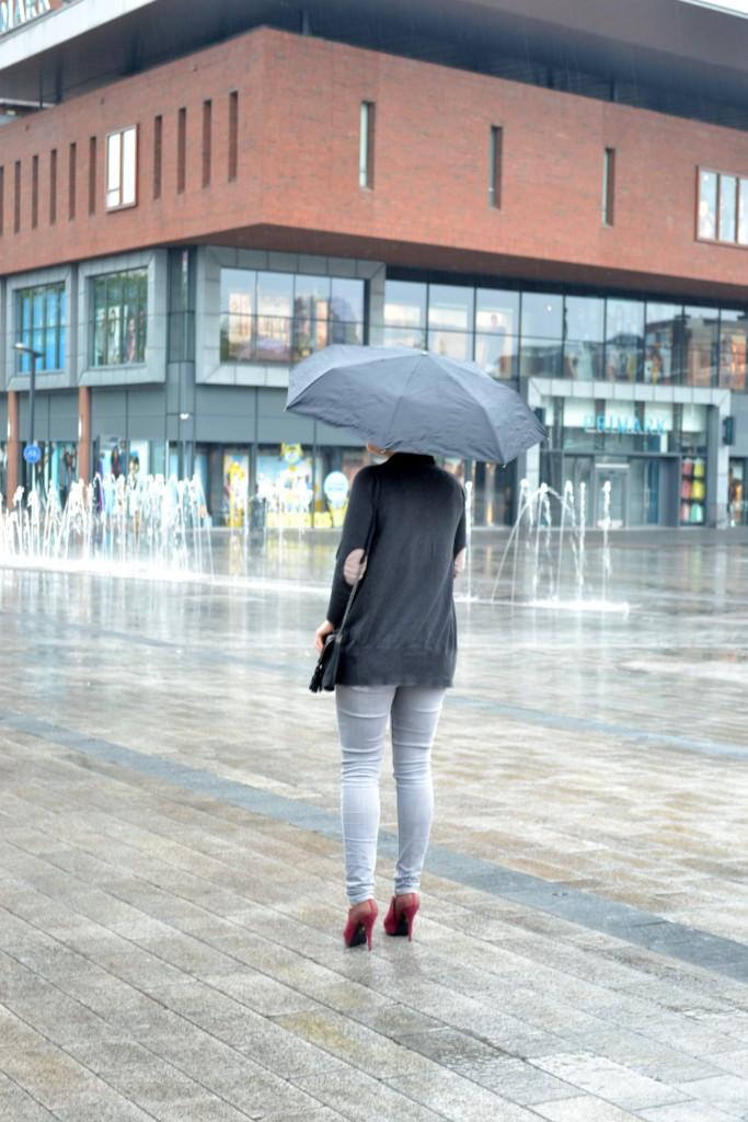 Outfit: Immer wenn es regnet - DSC 0409 683x1024