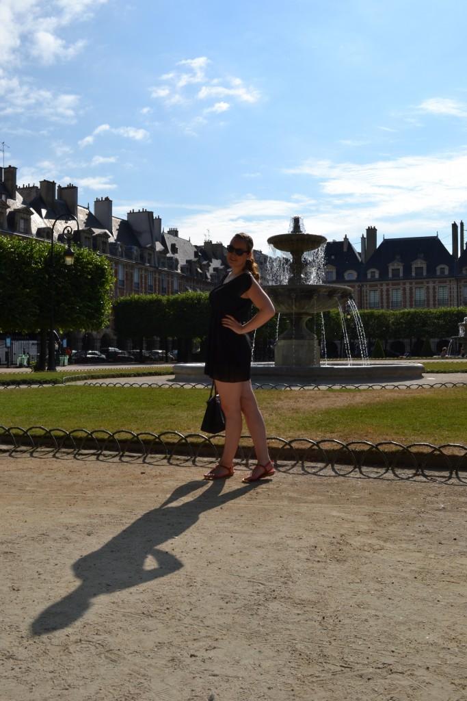 Outfit: Place des Vosges, Paris - DSC 0013 e1439732231147 683x1024