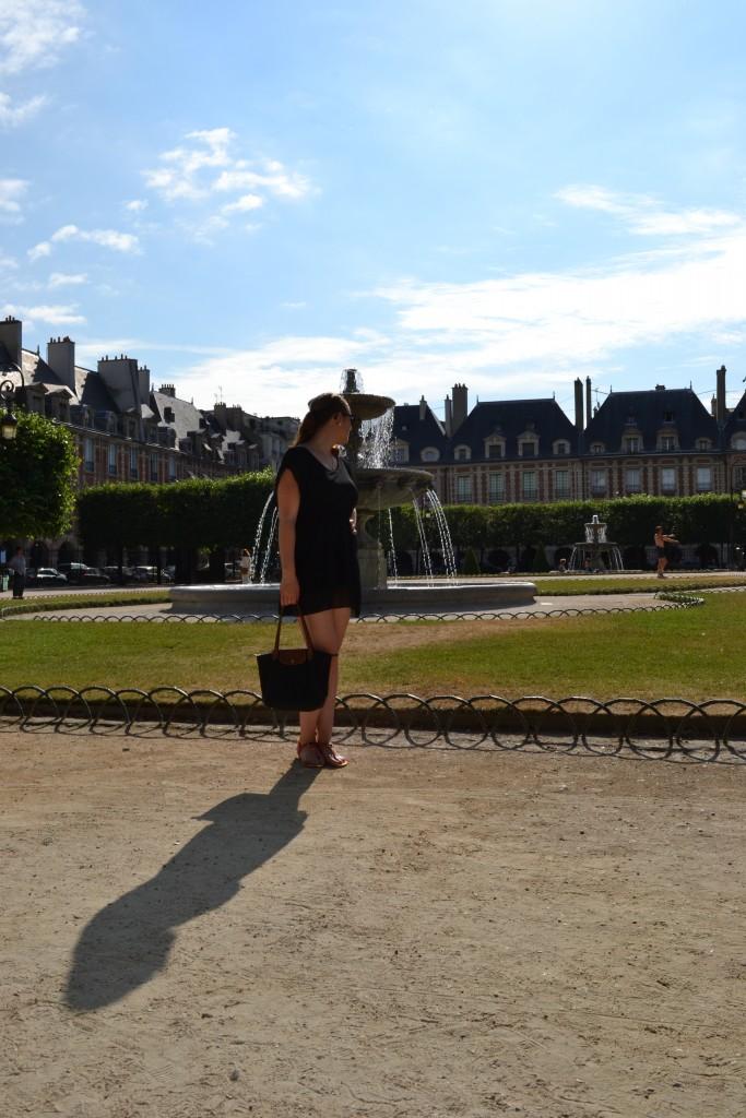 Outfit: Place des Vosges, Paris - DSC 0011 e1439732170965 683x1024