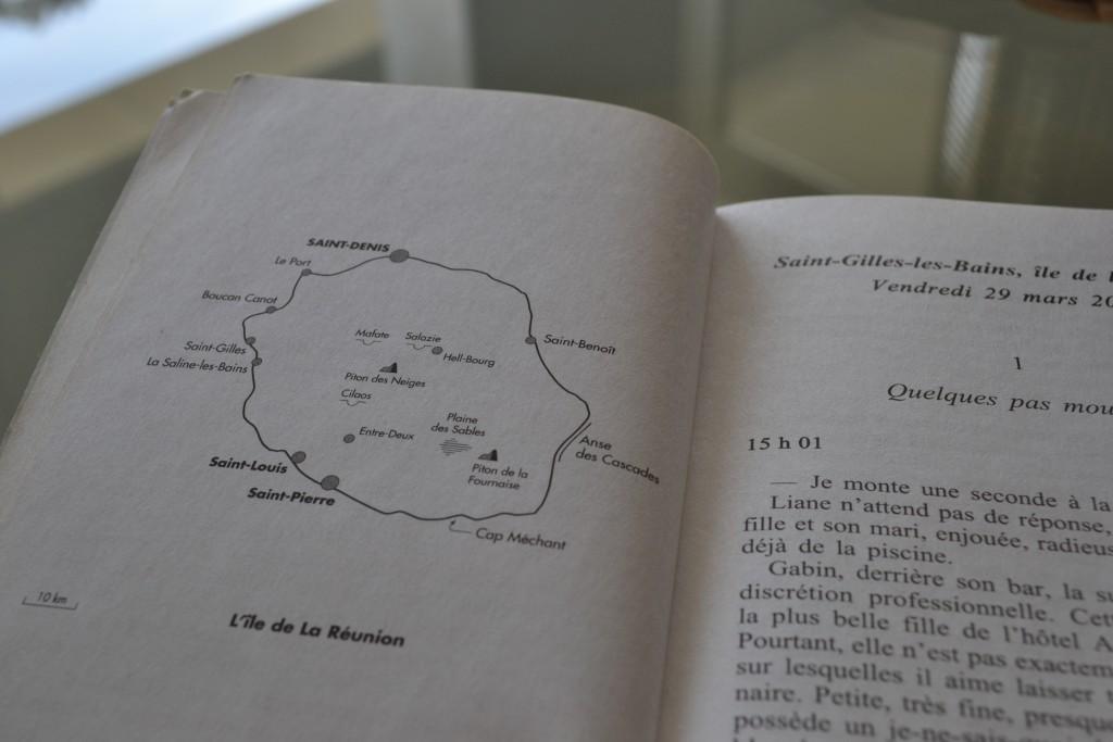 Books: Ne Lâche Pas Ma Main | Michel Bussi - DSC 0306 1024x683