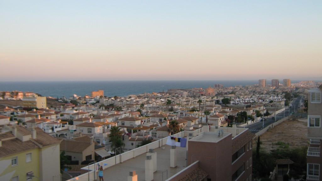 Semester abroad #4: Carolins Auslandspraktikum - Blick %C3%BCber Torrevieja von meiner Wohnung aus 1024x576
