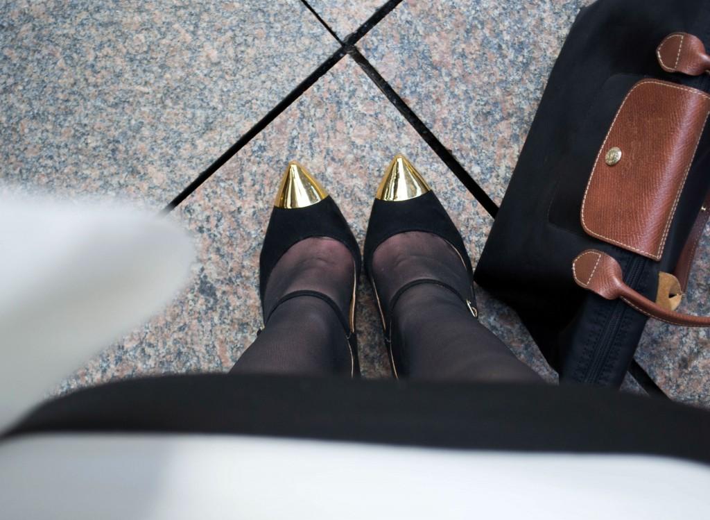 Outfit: Black & White Dress // Metal Toe Cap Heels - Gestreiftes Kleid 2 1024x749