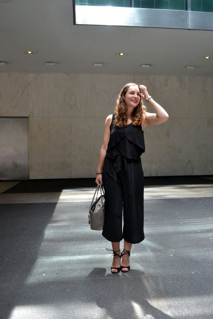 Outfit: Black & Grey // Culottes | New York - DSC 0231 683x1024