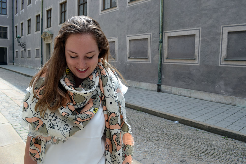 Outfit: Codello Original Dumbo Scarf & winactie // Munich - Codello 5