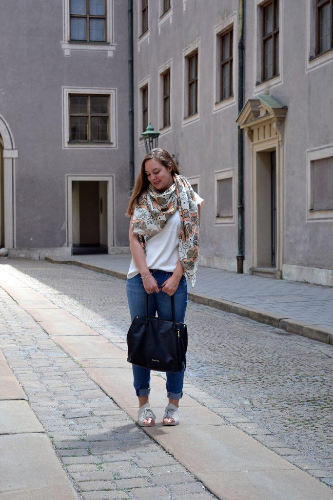 Outfit: Codello Original Dumbo Scarf & Gewinnspiel // Munich - Codello 8 683x1024