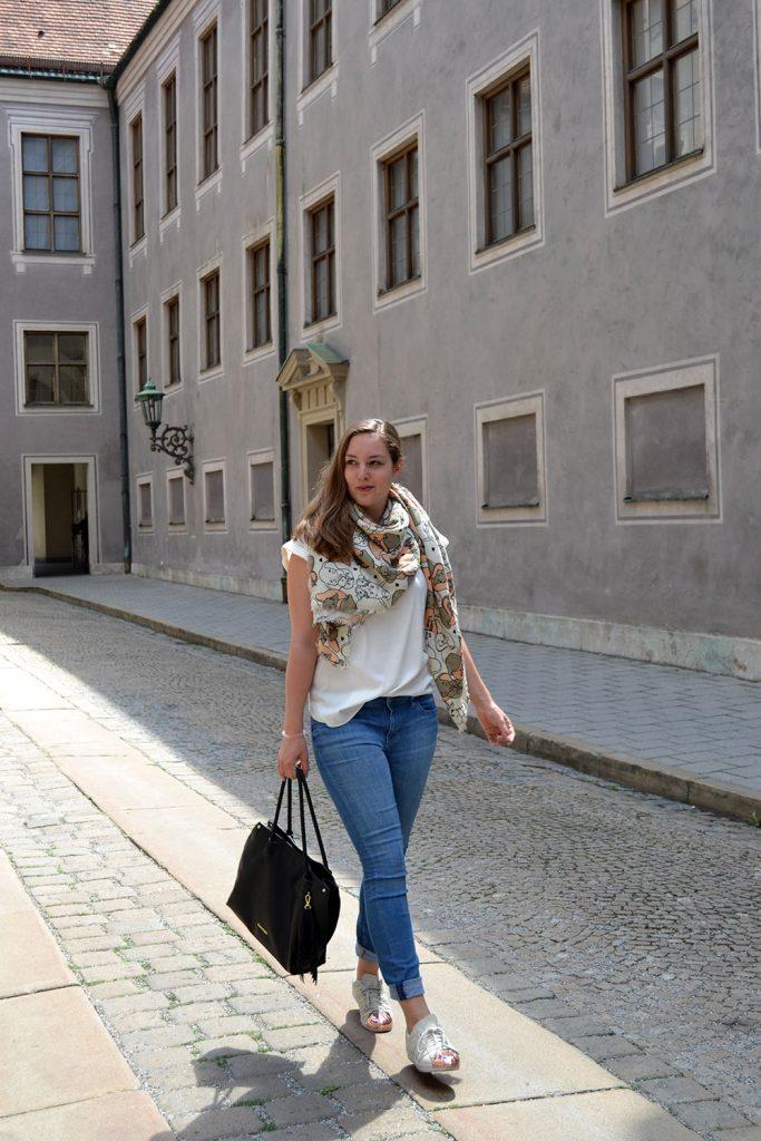 Outfit: Codello Original Dumbo Scarf & Gewinnspiel // Munich - Codello 9 683x1024