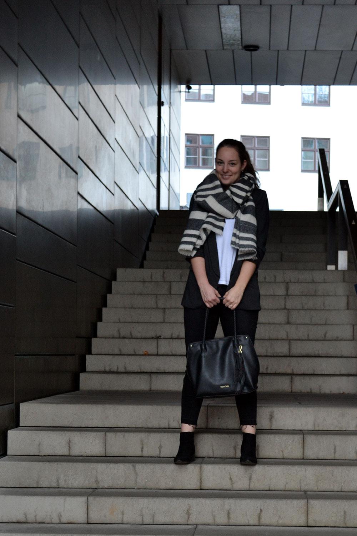 Outfit: Oversized Blazer // Levi's Shirt | Munich - Oversizedblazer 4
