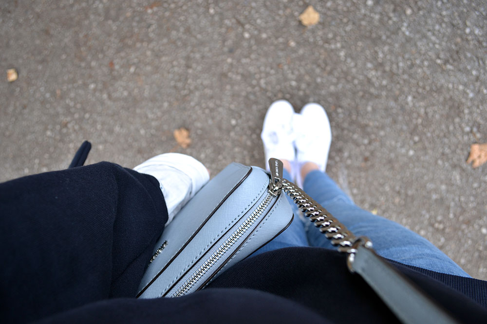 Outfit: Blue Sweater // Ripped Jeans | Munich - blue sweater 1