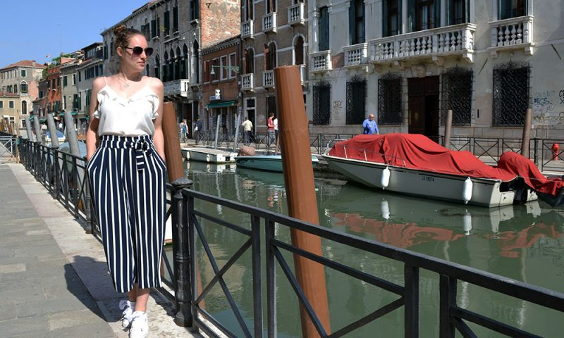 Outfit: Striped Culottes & Sneakers | Venice - Striped culottes 2 800x480
