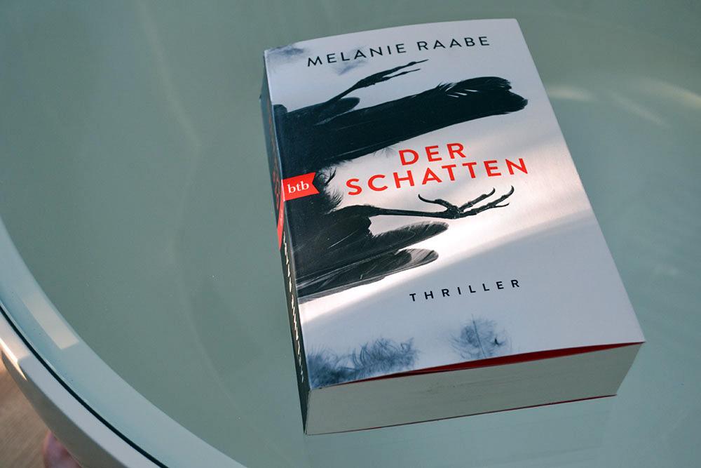Books: Der Schatten | Melanie Raabe - Der Schatten