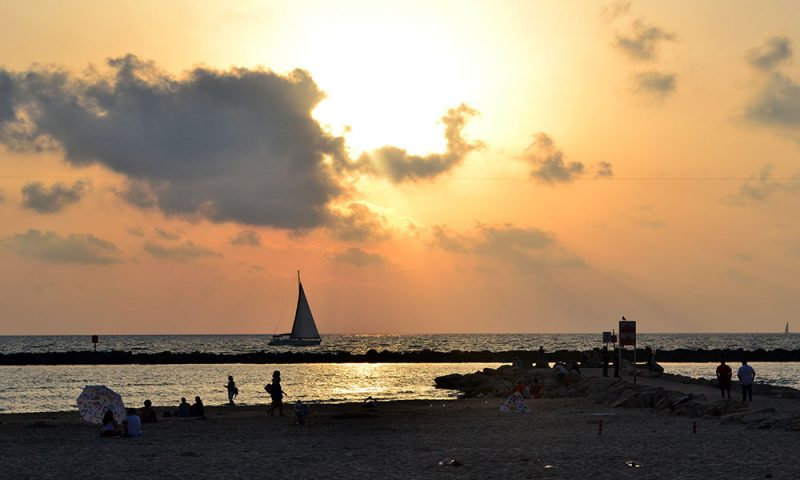 Travel Tip: 5 Things to Do in Tel Aviv - Tel Aviv 1 800x480