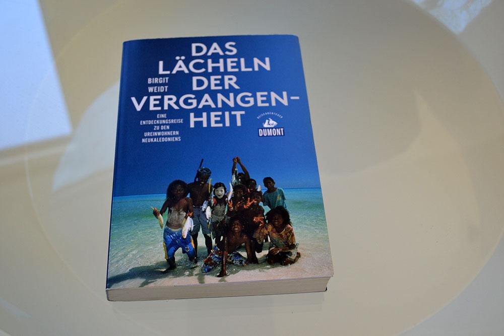 Books: Das Lächeln der Vergangenheit | Birgit Weidt